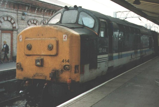 37 414 was pictured at Crewe in the markings of British Rail's Regional sector, having previously been blue 37 287 from May 1974 and green D6987. Vulcan 3547 / D976 of June 1965 was originally allocated to 86A Cardiff Canton and was upgraded to 37/4 status in November 1985.