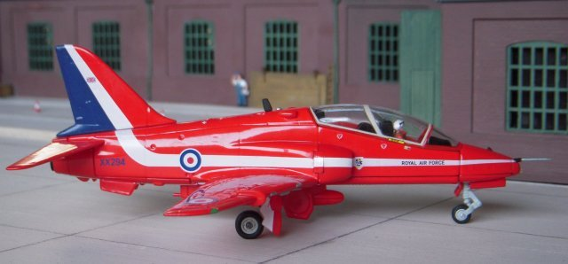 The first display season with Red Arrows Hawks was in 1980 and XX294 ( pictured above ) joined the team from 4 Flying Training School at RAF Valley, Anglesey, in 1988.
