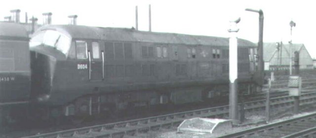 "At 1615 on 29 September 1960 ""Warship"" D604 ""Cossack"" started a 14 coach up express from Platform 8 of Swindon station."