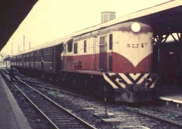 Although none of The English Girls were officially named, 5771 carried a plaque in memory of Driver Flores who had lost his life when his Sulzer engined PBA railcar collided with a rake of wagons that had become detached from a freight train travelling ahead of him - an uncanny echo of the 1967 Thirsk disaster.