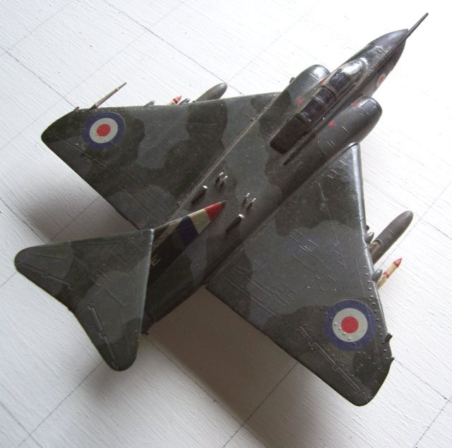 To replace the Meteor Night Fighters in RAF service, Gloster managed to overcome competition from the de Havilland DH110 ( later to evolve into the Sea Vixen naval fighter ) and build the delta winged Javelin.