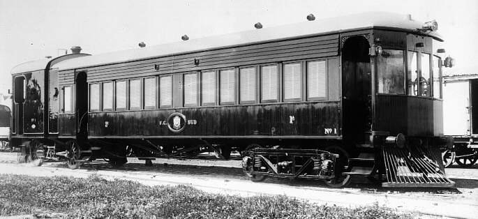 Steam rail motor with Kerr Stuart boiler and mechanical portion delivered to Buenos Aires Great Southern Railway, Argentina, for use in Rio Negro Valley