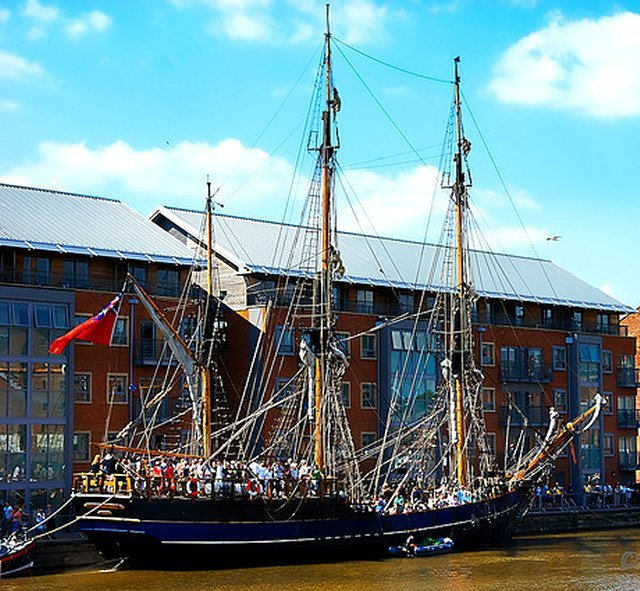 THE GLOUCESTER TALL SHIPS FESTIVAL WILL BE HELD ON 24 TO 27 MAY 2013.  VISIT www.gloucestertallships.co.uk FOR DETAILS