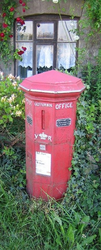 Although this vehicle has long since disappeared, J.M. Butt did cast the unusual pillar box which still remains in use at Barnes Cross, south east of Sherborne in Dorset and illustrated below courtesy of Mr Adrian Steel. Constructed between 1853 and 1859 for the Gloucester and Western District of the Post Office, the non-standard polygonal post box has a moulded plinth, a collecting door with inset for collection time display below the crown flanked with the initials VR and a vertical letter slit. Also moulded in cast iron are a cornice and peaked top.