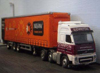 As well as cab unit WX 59 FXT, David and Paul Mellor also very kindly loaned me a curtainside trailer in the colours of Jigsaw Transport, wholly owned by c.M. Downton since 2009 but founded in 2003 with a new road transport business model for the 21st Century based on a regional network of partner hauliers with local expertise. Nationally managed, Jigsaw Transport continues to offer a flexible and sustainable way of transporting goods simply and cheaply.