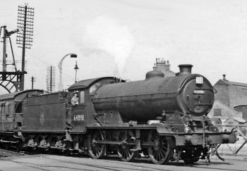 The J39s were powerful and versatile locomotives, and could be seen throughout the LNER network. As well as being called upon to haul general goods trains, they were also used to haul heavier oil and coal workings. Although primarily a goods locomotive, the J39s did make appearances on passenger trains and even expresses, especially on summer excursions during the 1930s.