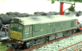 Pictured above at the head of a train of Presflos is the latest motive power on Church Hislop, the new Graham Farish by Bachmann Class 31.  A true A1A-A1A unlike earlier models with six powered wheels, this is the smoothest running model locomotive I have ever owned and takes me back to my first ever electric model locomotive, the 00 gauge Triang Class 31 of 50 years ago.  D5596 was outshopped from Loughborough in March 1960 as Brush works number 196 and was first allocated to 34B Hornsey, a daughter shed of King's Cross. So at least it is on the right region even if it has strayed way north if the 2B78 headcode (Moorgate and Crews Hill to Hertford North) is to be believed. The other cab has a Class 1 ( express passenger) headcode that would be way over the head of the Derwent Valley Light Railway!  D5596 later became 31 403 and was withdrawn in January 1995.