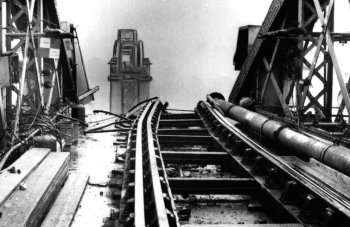 For its 14 November 2016 meeting the World Ship Society Gloucester Branch was indebted to Branch member Chris Witts for his presentation on the 1960 Severn Railway Bridge disaster.