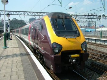 And since the first Voyager designs left the Bombardier works in Bruges, Belgium, in 2000 very similar Meridian and Pioneer sets have also begun service for East Midlands and Hull Trains while tilting Super Voyagers continue in both Arriva and Virgin Trains West Coast service.