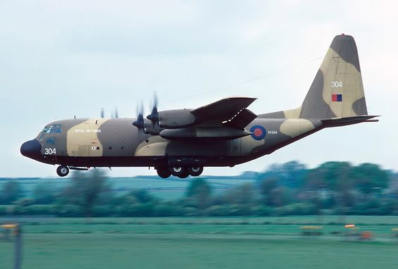 Meanwhile, in 1978 a conversion programme had begun to produce 30 Hercules C.Mk 3 aircraft by stretching the fuselage of the C1 to achieve a dramatic increase in cabin capacity.